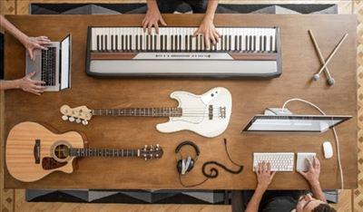 גיטרה חשמלית או אקוסטית? אולי בס או תופים?