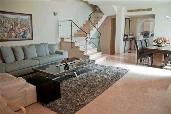 בית פרטי למכירה 7 חדרים בפתח תקווה נווה עוז מפואר ושקט בוותיקה