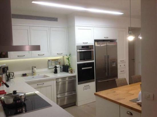 דירה למכירה 4.5 חדרים בתל אביב יפו רמת אביב ג מפוארת שקטה מרפסת שמש מרווחת