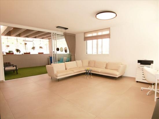 פנטהאוז למכירה 5.5 חדרים בגבעת שמואל רמת הדר שדרות מנחם בגין