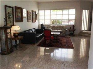 בית פרטי למכירה 7 חדרים ברמת השרון רחוב מבוקש ושקט