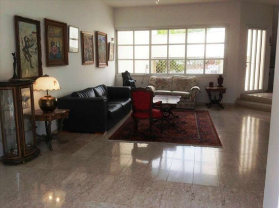בית פרטי למכירה 7 חדרים ברמת השרון קרית יערים רחוב מבוקש ושקט