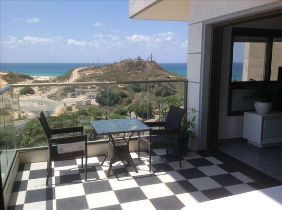 דירה למכירה 4 חדרים בראשון לציון שער הים קו ראשון לים נוף פתוח לים