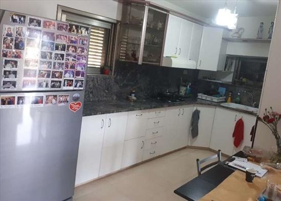 קוטג למכירה 7 חדרים בפרדסיה  שבזי שלום