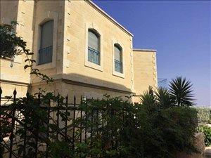 וילה למכירה 10 חדרים בנווה אילן www.yokra-estate.co.il
