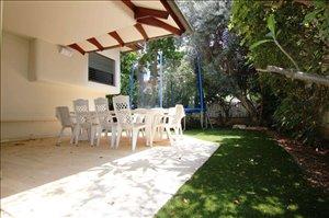בית פרטי למכירה 8 חדרים בהוד השרון www.yokra-estate.co.il
