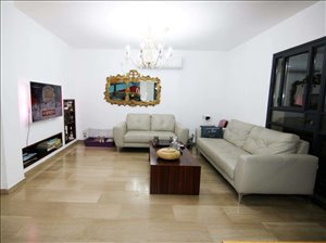 בית פרטי למכירה 6 חדרים ברעננה www.yokra-estate.co.il