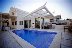 וילה למכירה 7 חדרים באילת www.yokra-estate.co.il