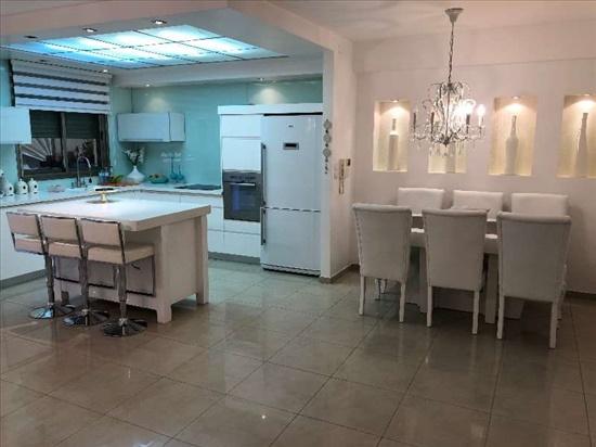 דירה למכירה 5 חדרים בפתח תקווה חזני אהרונוביץ