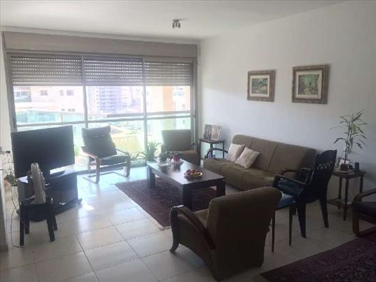 דירה למכירה 4.5 חדרים בפתח תקווה כפר גנים ג משה מייזנר
