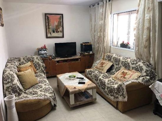 דירה למכירה 3 חדרים בפתח תקווה חזני השלושה