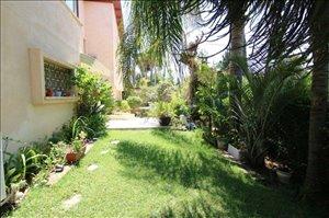 בית פרטי למכירה 8 חדרים ברמת גן www.yokra-estate.co.il