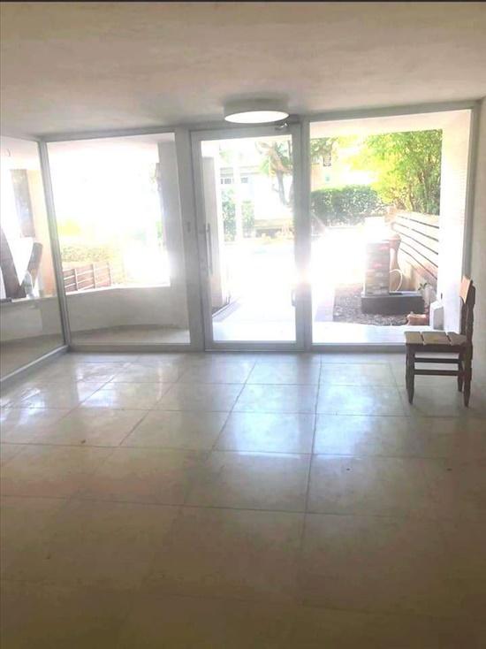דירה למכירה 3.5 חדרים בגבעתיים מרכז גולומב