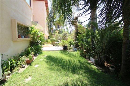 בית פרטי למכירה 8 חדרים ברמת גן  קרית קריניצי / תל השומר www.yokra-estate.co.il
