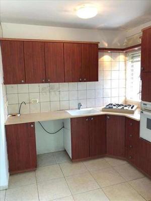 דירה למכירה 4 חדרים בתל אביב  אהרון בקר