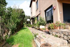 בית פרטי למכירה 9 חדרים במטולה www.yokra-estate.co.il