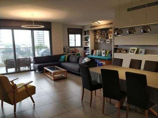 דירה למכירה 4.5 חדרים בכפר סבא כפר סבא הירוקה יאיר רוזנבלום