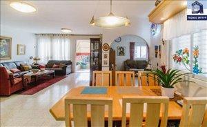 פנטהאוז למכירה 6 חדרים בפתח תקווה כץ