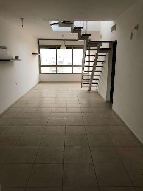 דירת גג למכירה 4 חדרים בתל אביב יפו לב העיר בוגרשוב