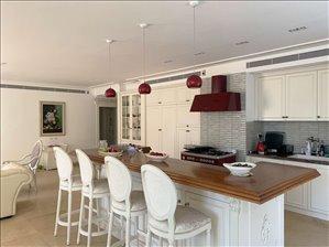 דירת גן למכירה 4.5 חדרים בחיפה