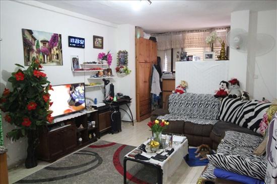 דירה למכירה 3 חדרים בחולון רסקו א' סוקולוב