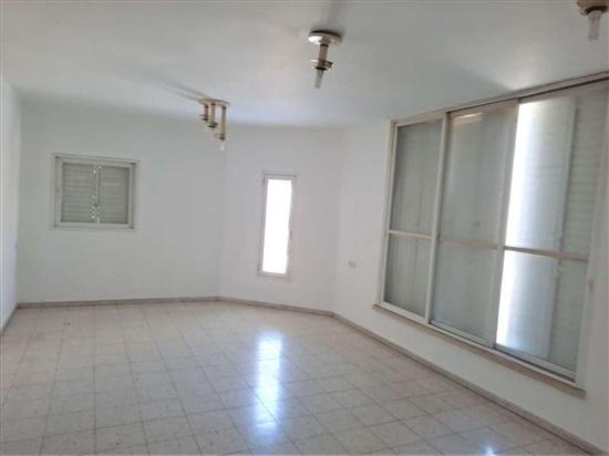 דירה למכירה 4 חדרים בפתח תקווה קרול דיסקין