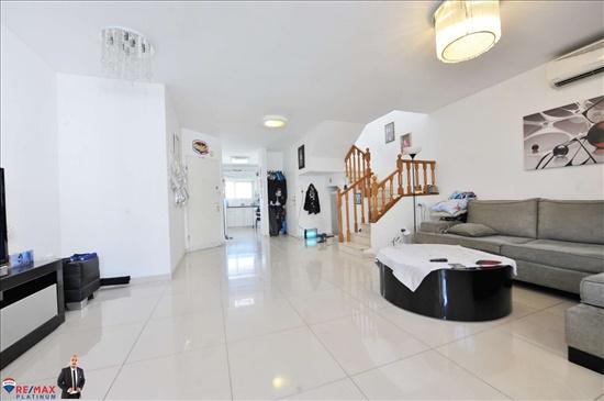 דופלקס למכירה 4 חדרים בראשון לציון הדגן 22
