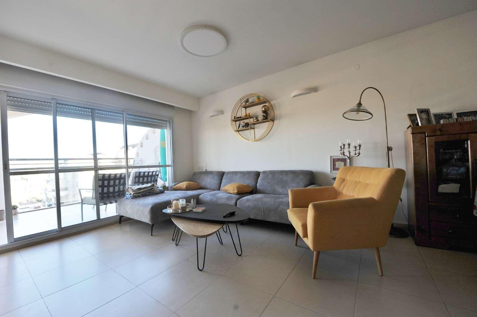 דירה למכירה 4.5 חדרים באור יהודה צאלון