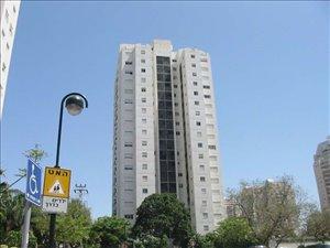 דירה למכירה 4.5 חדרים בהרצליה השופטים