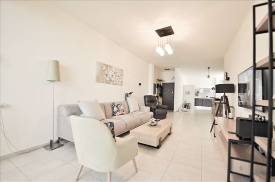דירה למכירה 4 חדרים בחולון אגרובנק יהושע חנקין 36