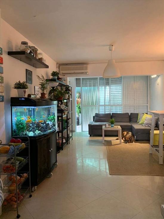 דירה למכירה 2.5 חדרים בבת ים  ניצנה קק