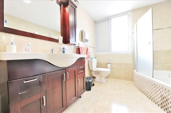 דירה למכירה 3 חדרים בחולון נאות רחל י