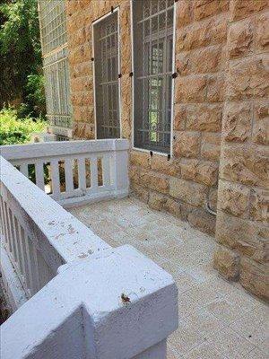 דירת גן למכירה 3 חדרים בירושלים בלפור