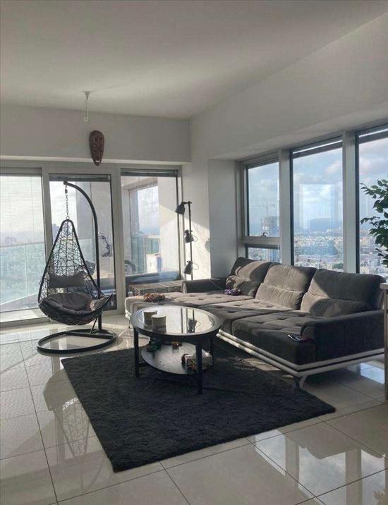 דירה למכירה 3 חדרים בתל אביב יפו מרכז דרך מנחם בגין