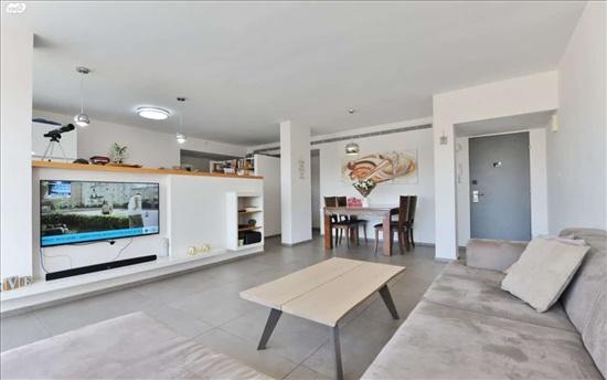 דירה למכירה 4 חדרים בחולון נאות רחל אילת