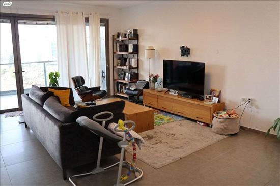 דירה למכירה 4 חדרים בהרצליה הרצליה ב' אריק איינשטיין