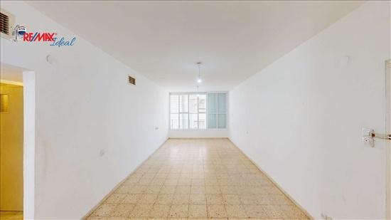 דירה למכירה 3 חדרים בראשון לציון אברמוביץ קרל נטר