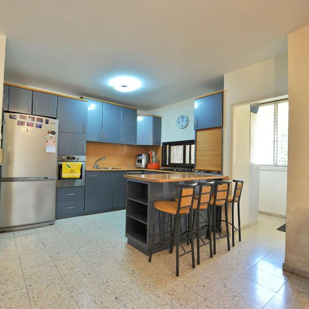 דירה למכירה 4 חדרים ביהוד מונוסון מרכז העיר ויצמן