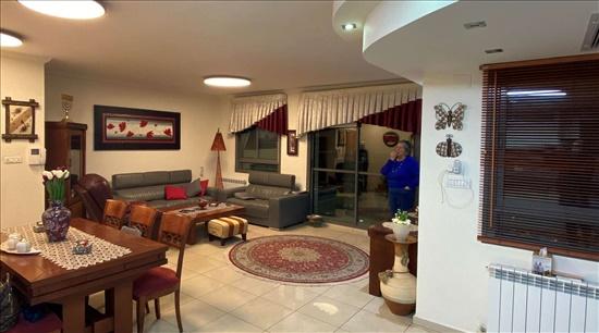 דירה למכירה 3 חדרים בירושלים ארנונה חנוך אלבק
