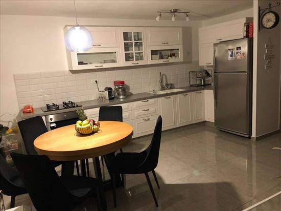 דירה למכירה 4 חדרים בירושלים קטמונים מעגלי יבנה