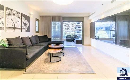 דירה למכירה 5 חדרים בפתח תקווה אם המושבות החדשה יעל רום