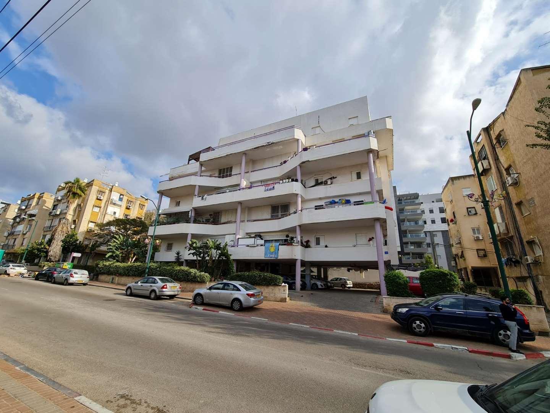 דירה למכירה 5 חדרים בראשון לציון יהודה הלוי