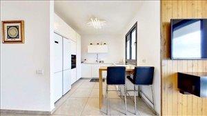 דירה למכירה 3 חדרים בבת ים הרב ניסנבאום