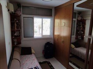 דירה למכירה 3 חדרים בחולון הטייסים