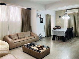 דירת גן למכירה 4 חדרים בחולון החצב