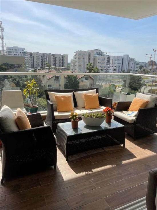 דירה למכירה 5 חדרים בהרצליה זורבבל חנה רובינא