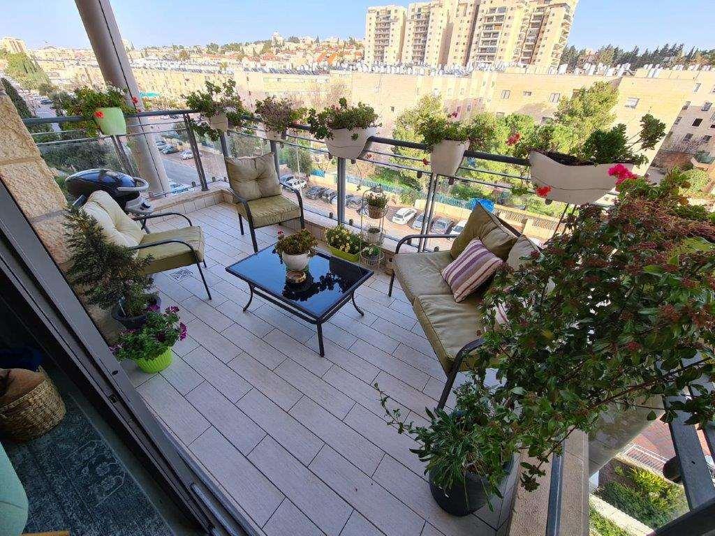 דירה למכירה 5 חדרים בירושלים תלפיות דרך בית לחם
