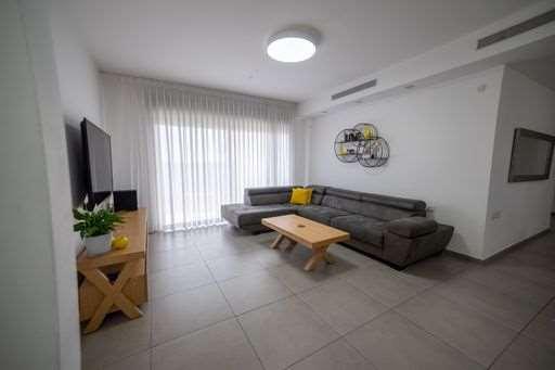 דירה למכירה 5 חדרים ברחובות אפרים קציר 23