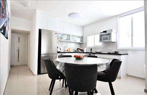 דירה למכירה 2.5 חדרים בבת ים פנקס