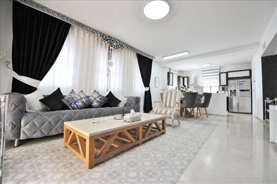 דירת גן למכירה 4 חדרים בתל אביב יפו עג'מי ההדס